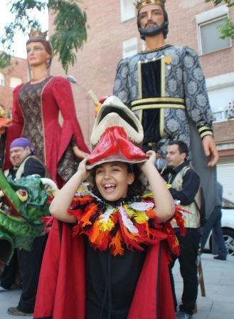 Cercavila de Cultura Popular al Clot - 2013 per Associació Fal·lera Gegantera Sagrada Família FAGESAFA GegantTots